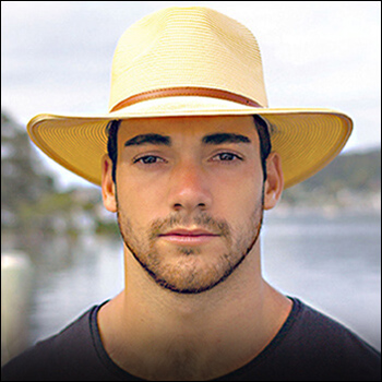 Man hats. Material: 100% natural fiber. Not washable. Size: 58 and 61 cm.