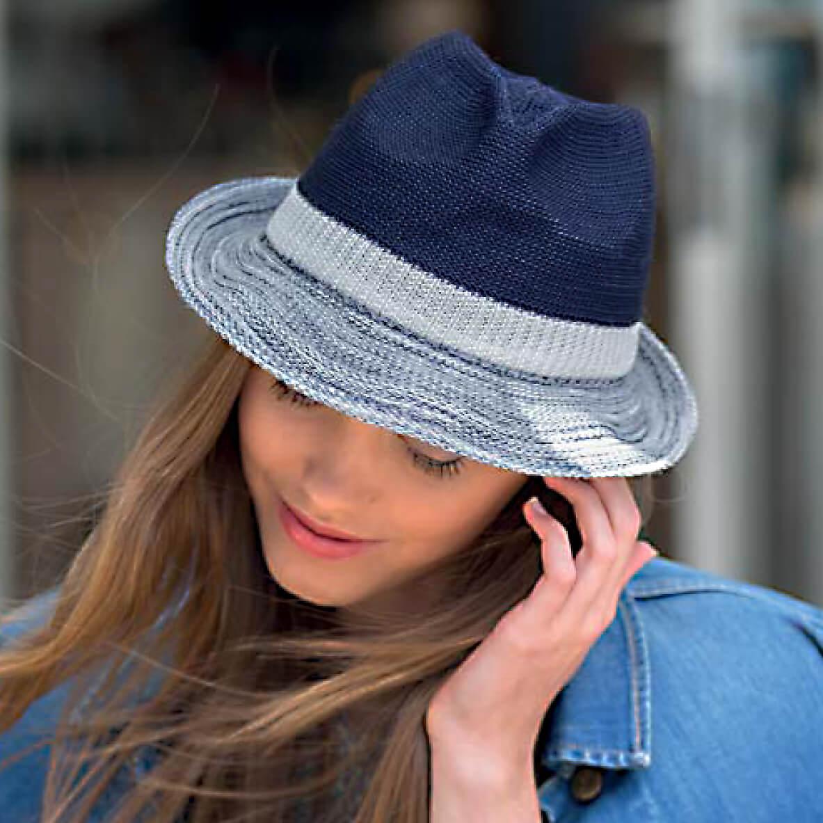 RL320 woman hat. Wash n' Wear Colourblock Trilby