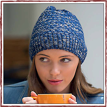 Woman hat - Color blue and ivory. Fibers: 100% acrylic (PC)