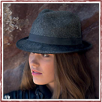 Woman hat - Color grey. Fibers: 100% lambswool (WW)