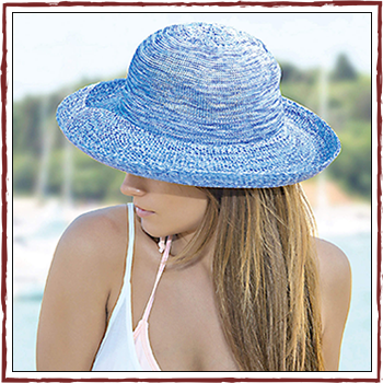 Woman hat - Color light blue. Fibers: 100% acrylic (PC)