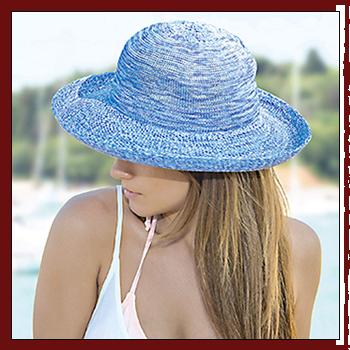 Woman hat - Color light blue. Fibers: 100% acrylic (PC)