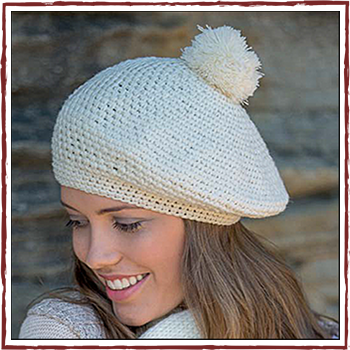 Woman hat - Color cream. Fibers: 100% acrylic.