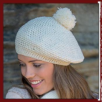 Woman hat - Color cream. Fibers: 100% acrylic.