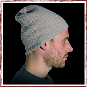 Man hat. Fibers: 95% cashmere (WS) and 5% other fibres (AF) or 100% cashmere (WS)