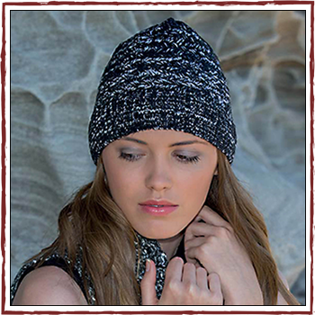 Woman hat - Color black and white. Fibers: 100% acrylic (PC)