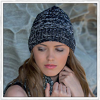 RL299 woman hat. Salt and Pepper Knitted Beanie. Material: 100% acrylic.