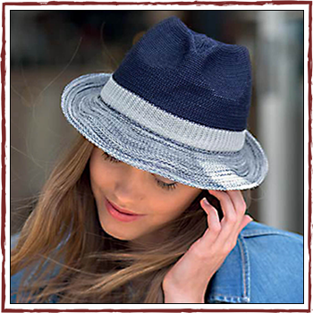 Woman hat - Color navy and white. Fibers: 100% polyester (PL)